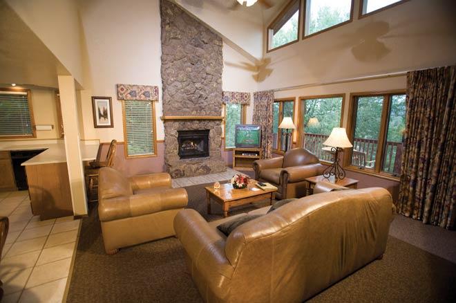 Fairfield wyndham flagstaff resort living room arizona - 2 bedroom suite hotels in tucson az ...