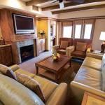 Sedona Summit Resort Living Room2